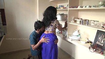 भारतीय माँ और बेटा रोमांस